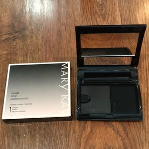 Mary Kay: Compact: Large